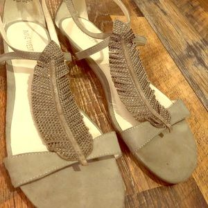 Nine West size 11 feather taupe flats